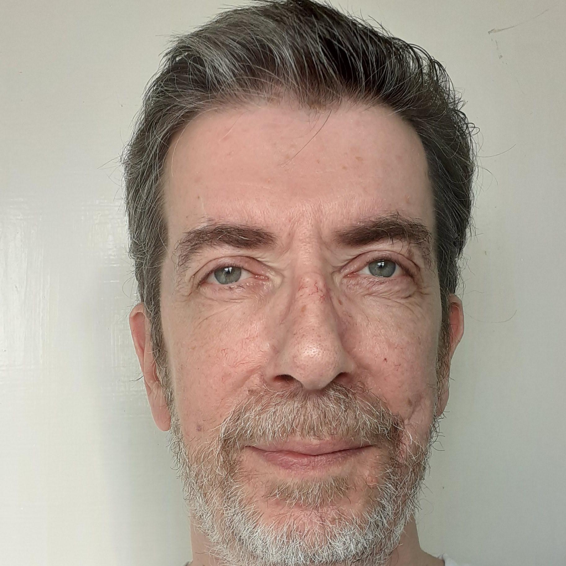 Dr Alan MacLennan